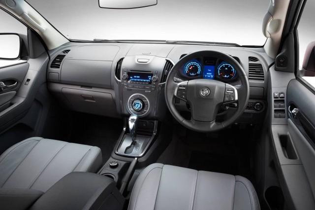 Holden Colorado 7 - Dash