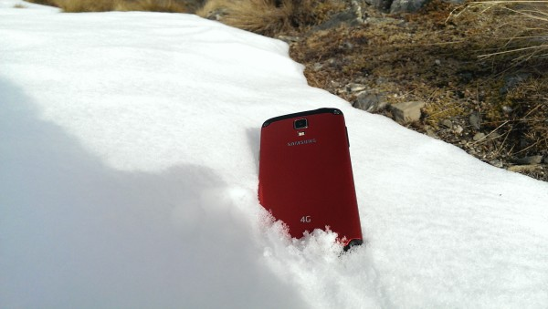 Samsung Galaxy S4 Active - In the Snow