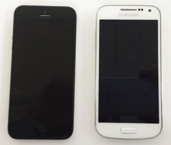 Apple iPhone 5 compared to  Samsung Galaxy S4 mini