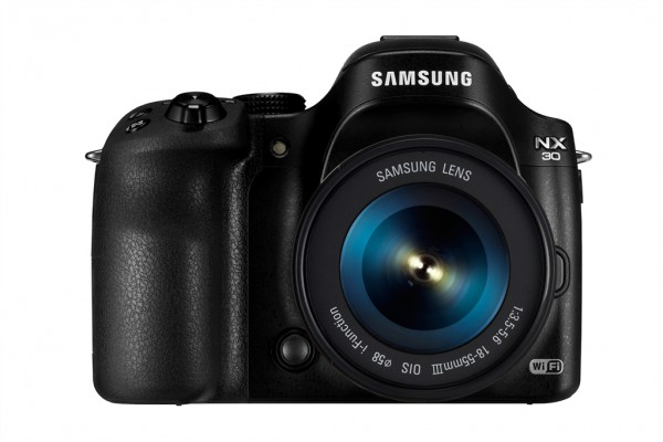 Samsung NX30 and 18-55 lens front