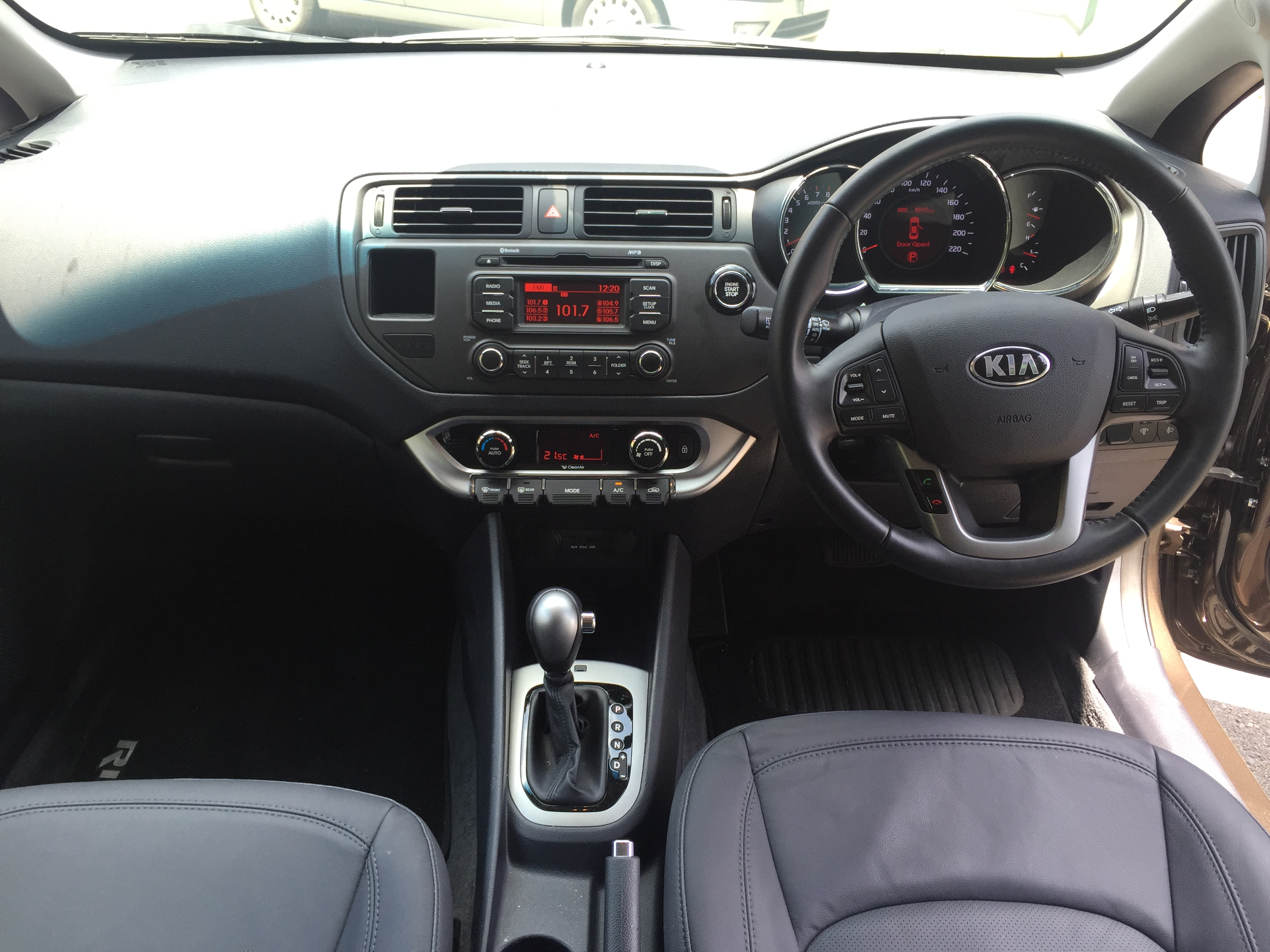 Behind the wheel of the Kia Rio SLS - Impressive from top to
